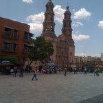 Vista de la Catedral de Aguascalientes a unos 15 min. del Htl