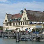 Bahnhof und Hafen