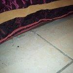 La crasse sous le lit