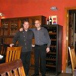 Chefkoch & Besitzer (links), liebenswerter & freundlicher Keller José (rechts)