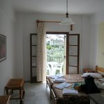 Room 9, Alkmene