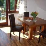 Sitzbereich in der Küche der Ferienwohnung Midi