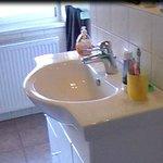 Большая и чистая ванная комната
