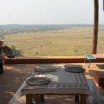 La salle à manger surplombant la savane