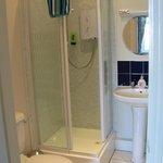 Room 17, ensuite bathroom (very narrow shower door opening)