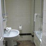 Ensuite bathroom, Room 27