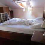 Letto sul soppalco / double bed on the mezzanine