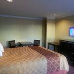 Century inn Deluxe King /Queen Bed Rooms