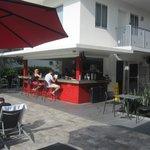 Bar area/Breakfast area