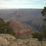Um dos visuais do Grand Canyon no nascer do Sol