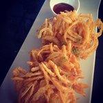 Crispy onion fritte