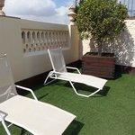 lettini dell'area solarium in terrazza