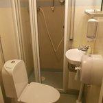 2kronor ha docce sole, gabinetti soli, e combinazioni: tutto pulito