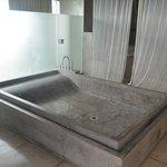 bathtub master bedroom upstairs