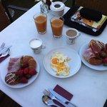 4 star hotel's fried eggs @ breakfast