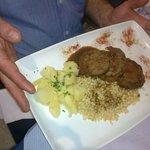 Rollè di vitello su farro con patate