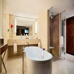 Palais Suite Bathroom