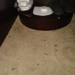 Cigarett burn on non smoking room