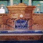 fontana nel parco delle terme