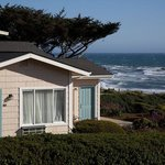 Cambria Landing Inn & Suites