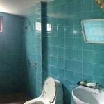 Clean and spacious bathroom.