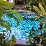 Vue et accès piscine depuis la chambre