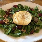 My main course .... Goats Cheese Salad, yummy !