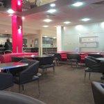 Lounge/Bar & breakfast area