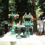 un mini temple pour les offrandes du matin