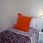 Chambre petite, mais très jolie et fonctionnelle