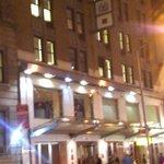 l'hotel vu de nuit
