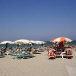 mare di Romagna : grande spiaggia di sabbia fine e bel mare
