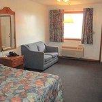 Huggy Bear Motel Warren Room