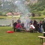 Würstl Grillen am See