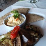 Hummus and grilled veggies
