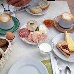 Super Frühstücksbuffet - Auszug