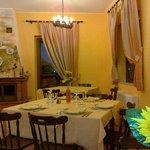 Saletta colazione e piccola sala ristorante
