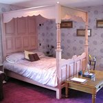 Very comfy four poster bed