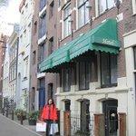Rembrandtplein Bed & Breakfast  Front wiev
