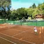 Para amantes del tenis....cancha de polvo de ladrillo!!!