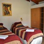 Habitacion con camas singles de Cabañas La Valentia!!