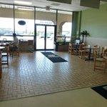 K & H Interior dining