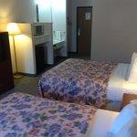 2 queen hotel