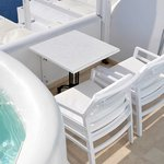 Heaven Suites - Wing chairs & table