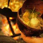 冬には囲炉裏で鍋料理