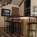 Bar area at La Perla Bed and Breakfast