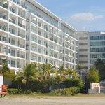 Conjunto de apartamentos al lado del hotel