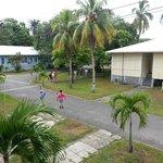El area de las villas donde se puede caminar o correr haciendo ejercicio