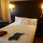 Le lit de la chambre