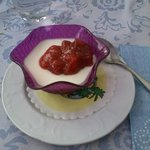 Panna cotta fatta in casa con fragoline in salsa